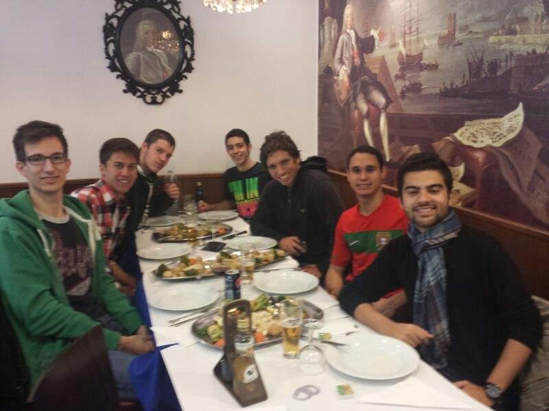 PitStop para comer um delicioso Bacalhau Português ! Ps adivinhem o nome do garçon ? #Manuel
