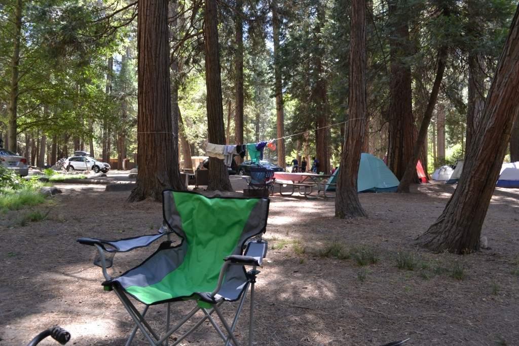 O nosso acampamento em North Pines. O lugar é muito bacana, tem um banheiro comunitário e eles também oferecem um grelha.