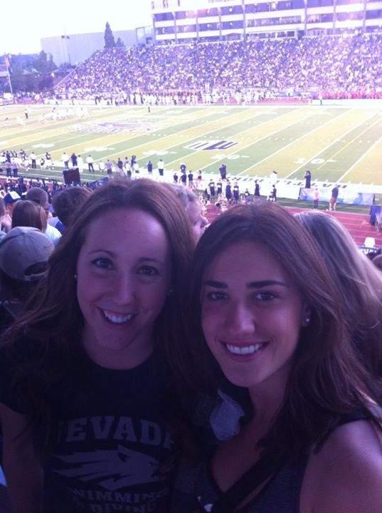 Raquel e Eu no primeiro jogo de Futebol Americano da temporada da nossa faculdade.