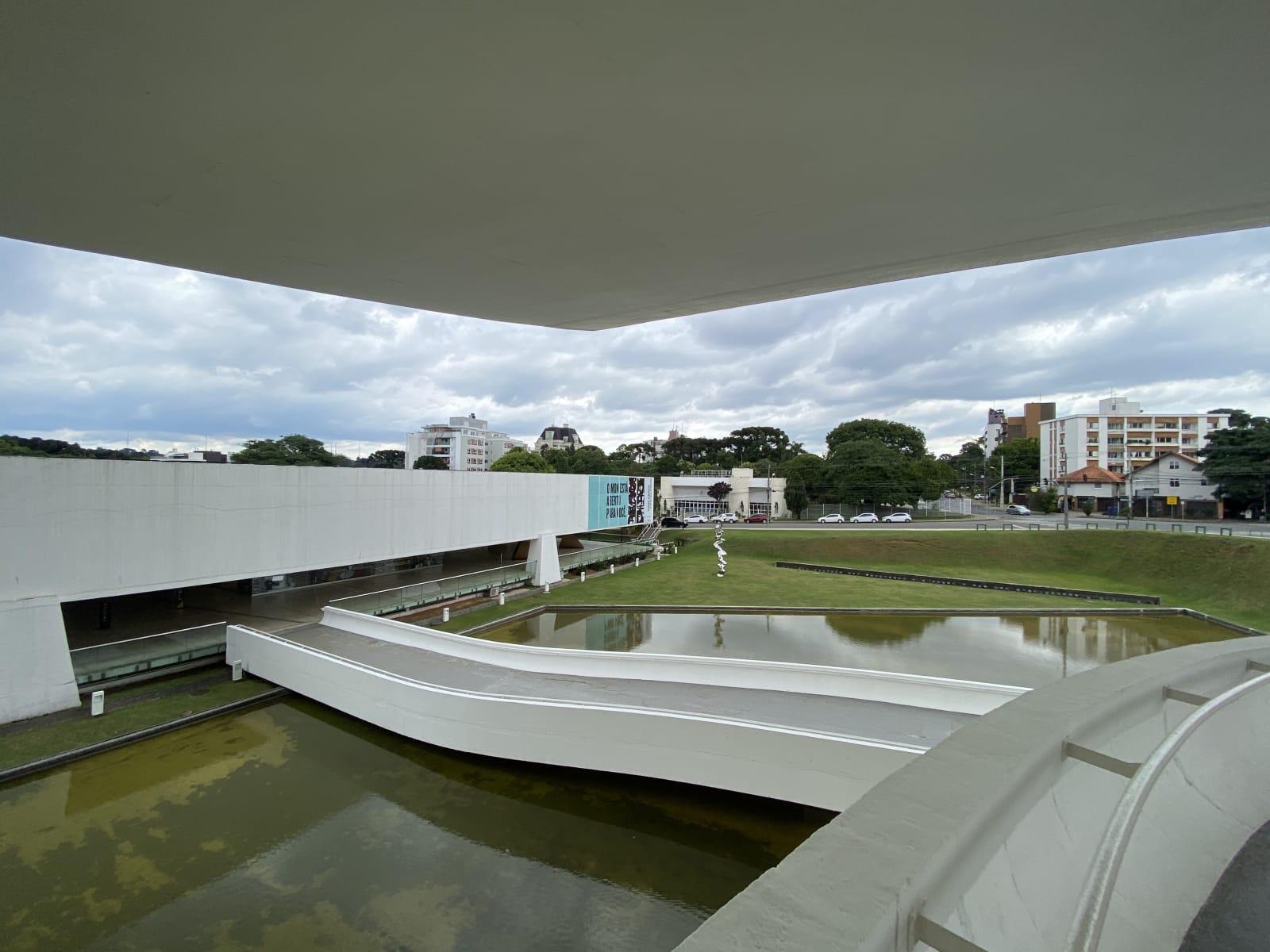 Museu-Oscar-Niemeyer-2