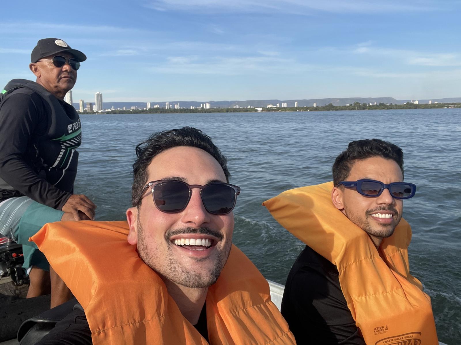 Passeio-de-barco-até-a-Ilha-Canela
