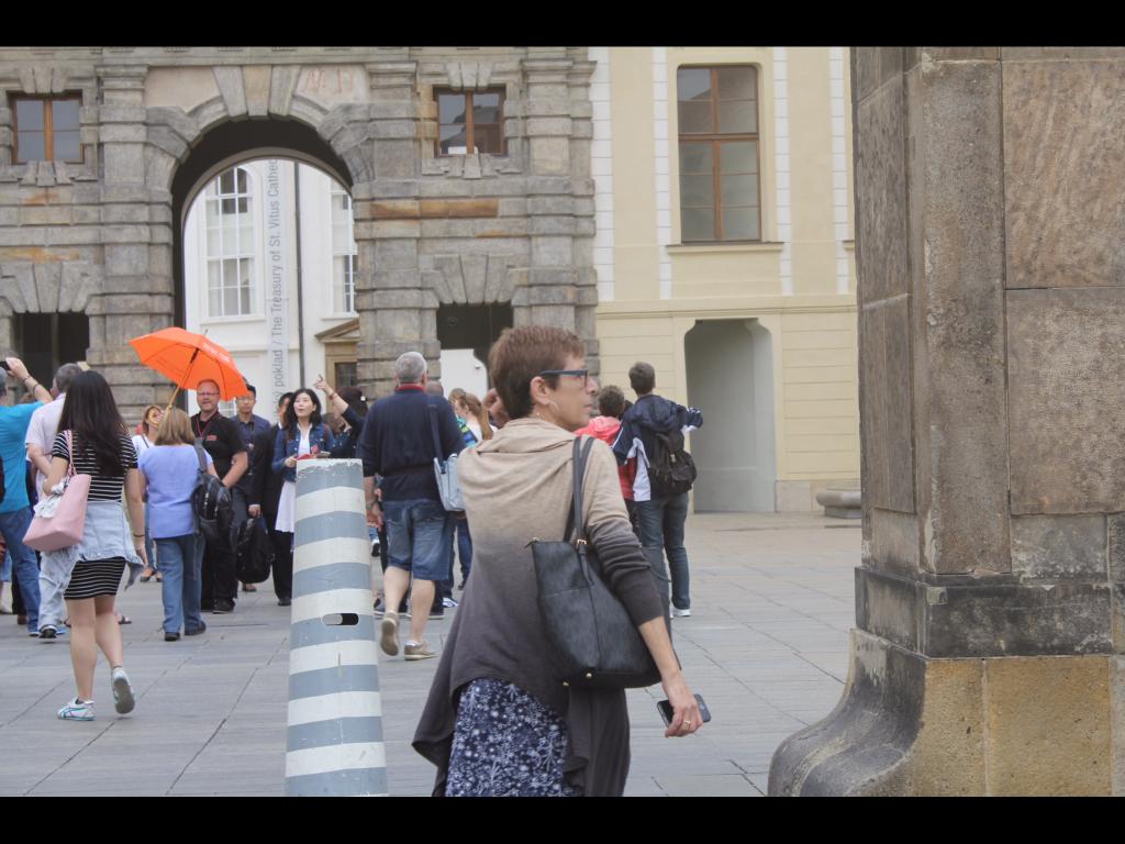 A Viajante Mãe deslumbrada por Praga, seu sonho europeu!