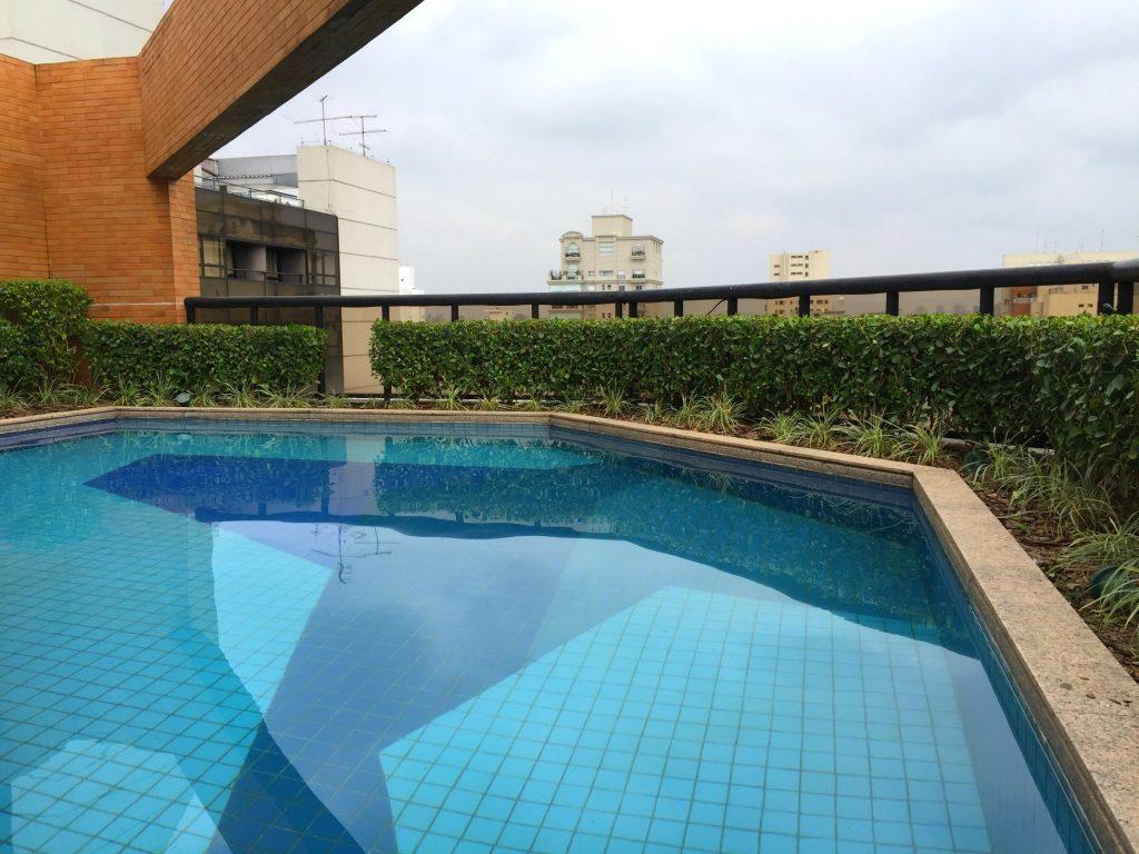 Bom e barato hotel no Jardins 200
