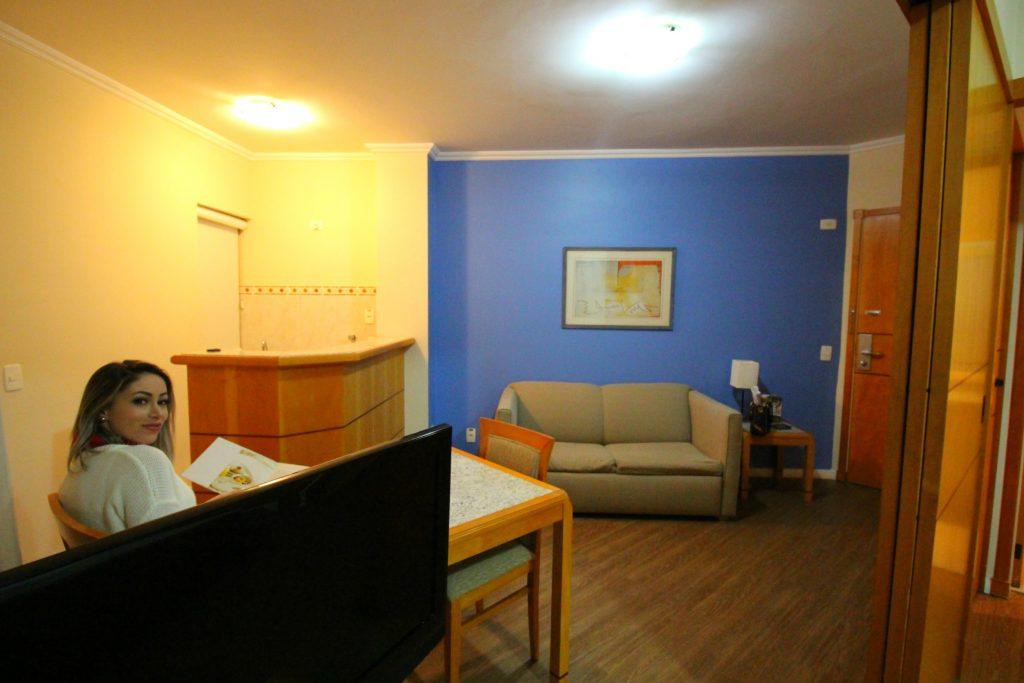 Bom e barato hotel no Jardins 700