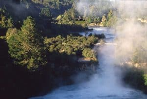 huka-falls-with-huka-lodge-in-background_84886