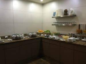 sala-vip-Maldivas-comida