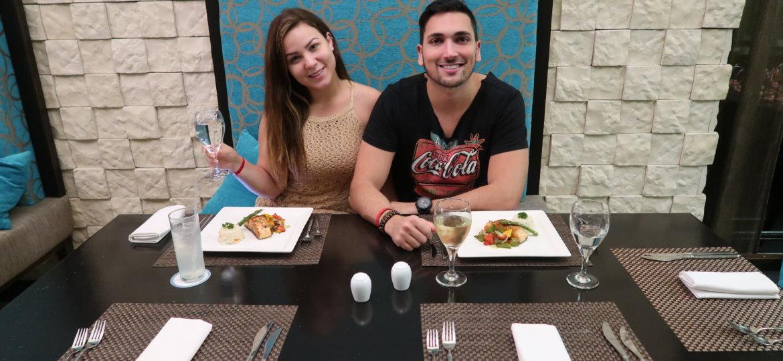 almozo sandos cancun
