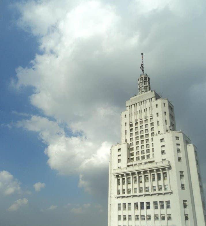 O Farol Santander é um dos mirantes de São Paulo que recebe visitantes em seu terraço