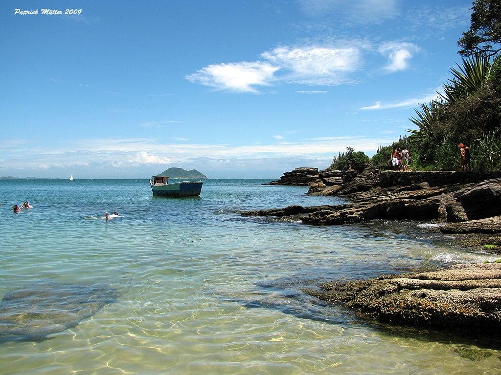 Praia da Azeda é opção de o que fazer em Búzios