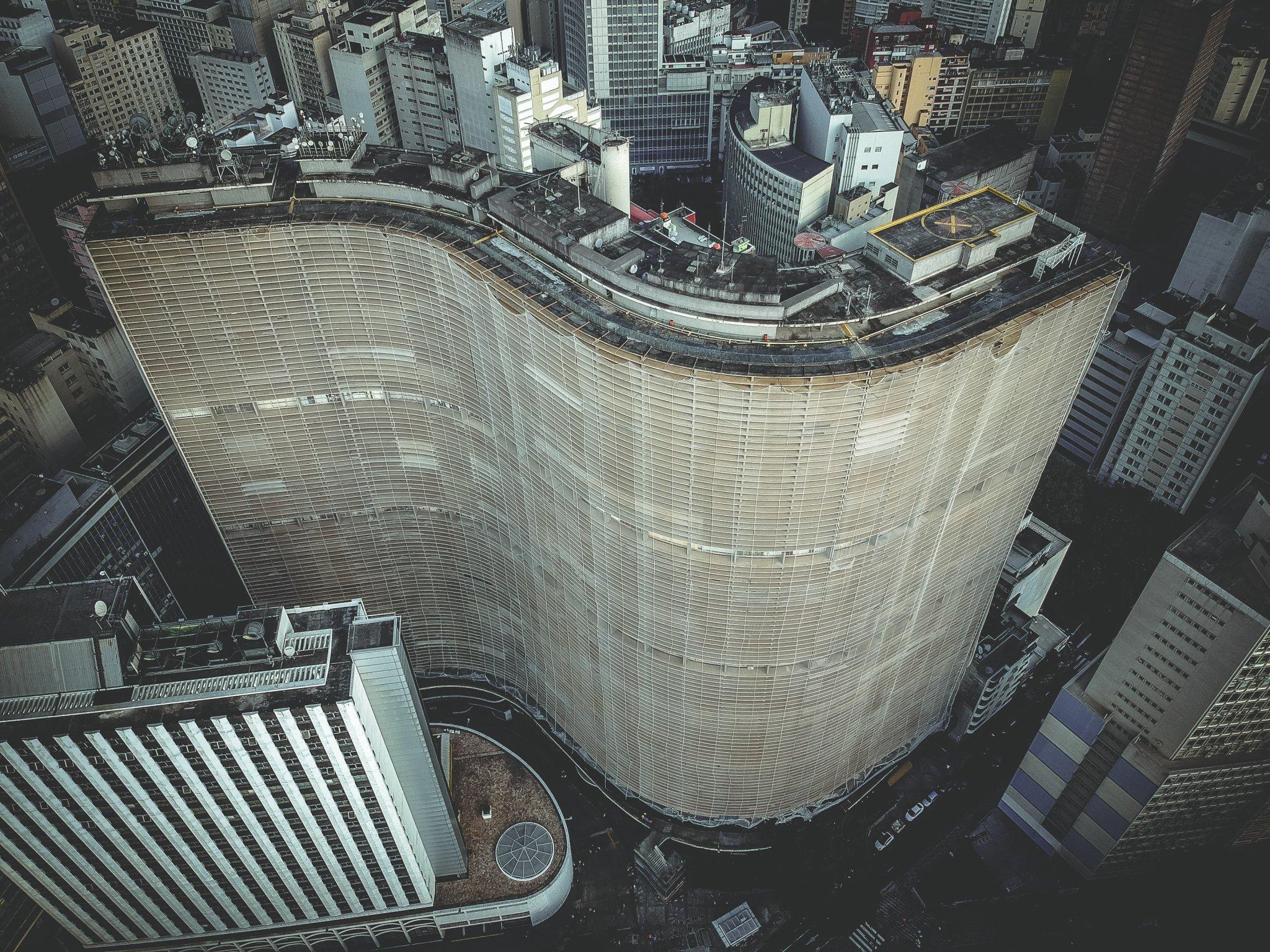 Edifício Copan, em São Paulo, é um dos mais habitados do país