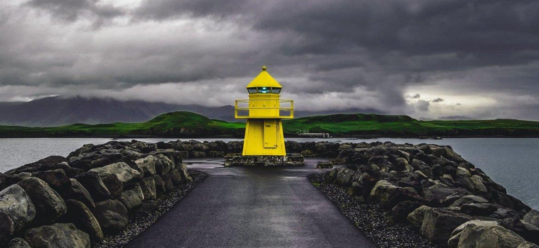 Reykjavik Islandia - Photo by Erik Nielsen on Unsplash