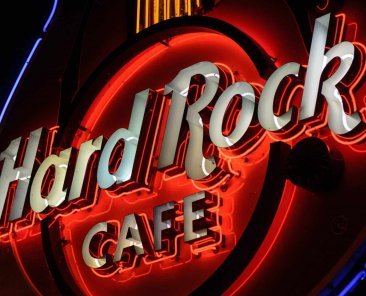 Hard Rock Cafe - robert-claypool-IJxWkTNH0z8-unsplash