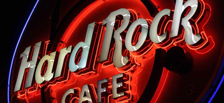 Hard Rock Cafe - robert-claypool-IJxWkTNH0z8-unsplash