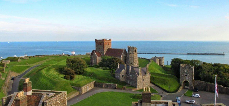 castelo dover - Inglaterra valerio-gentile-VuQGSiLWv8s-unsplash