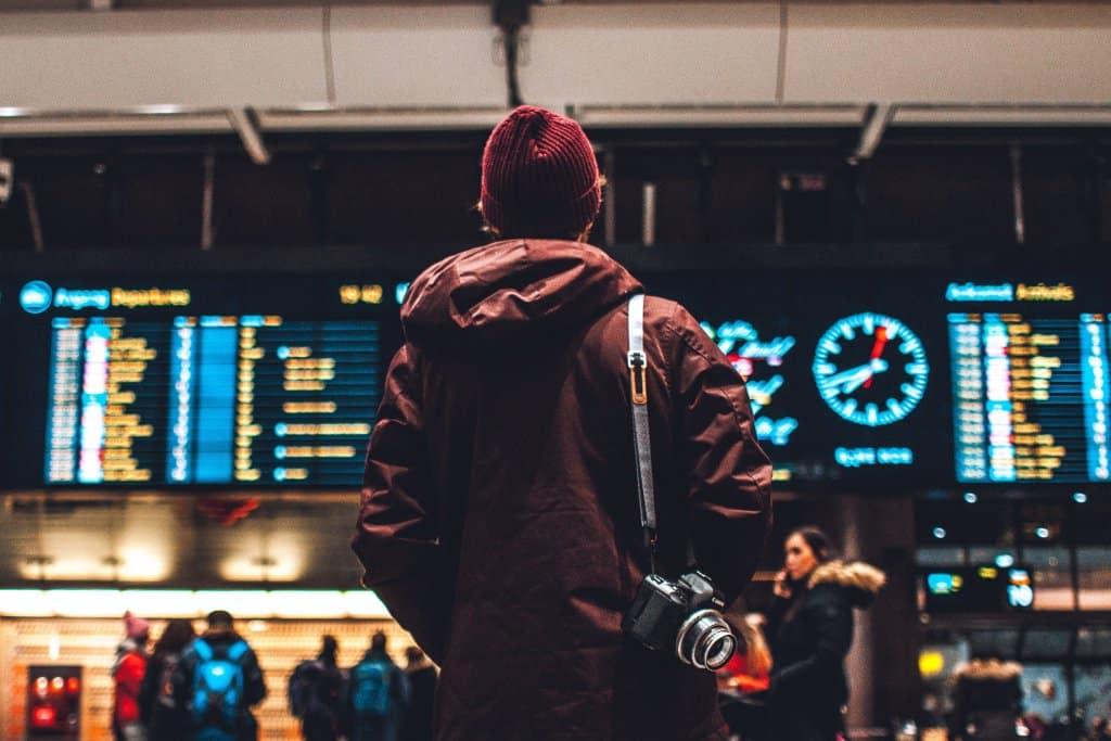 Aeroporto-viagem-estevam-pelo-mundo