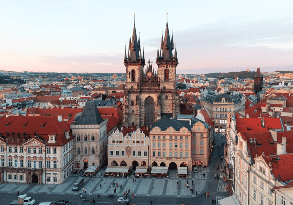 República Tcheca reabre para vacinados, exceto com Coronavac