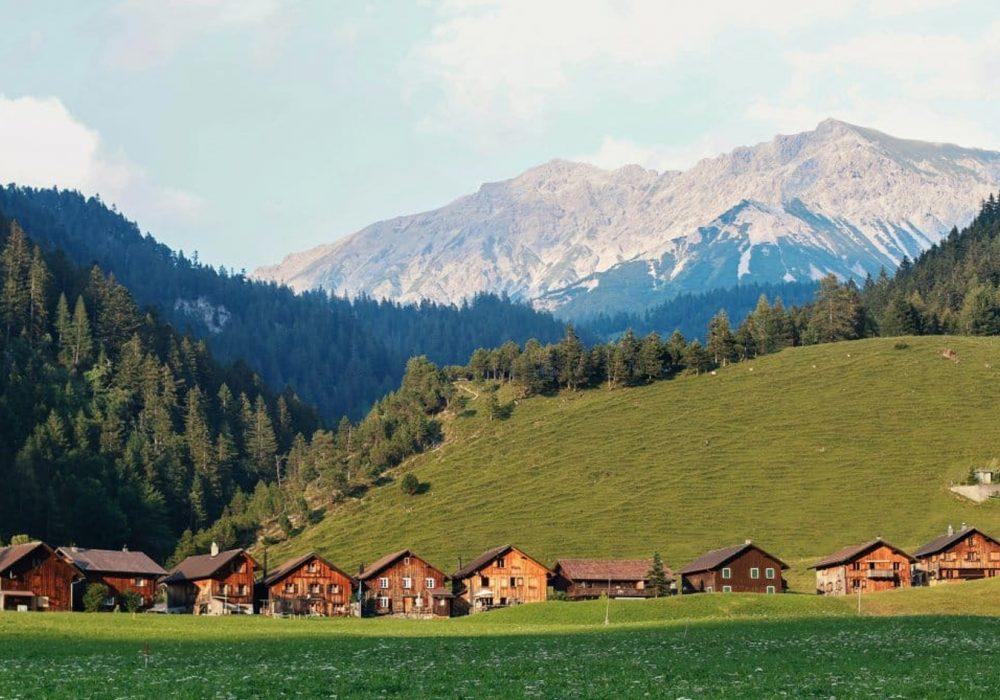 Suíça oferece teste de covid-19 gratuito para os turistas